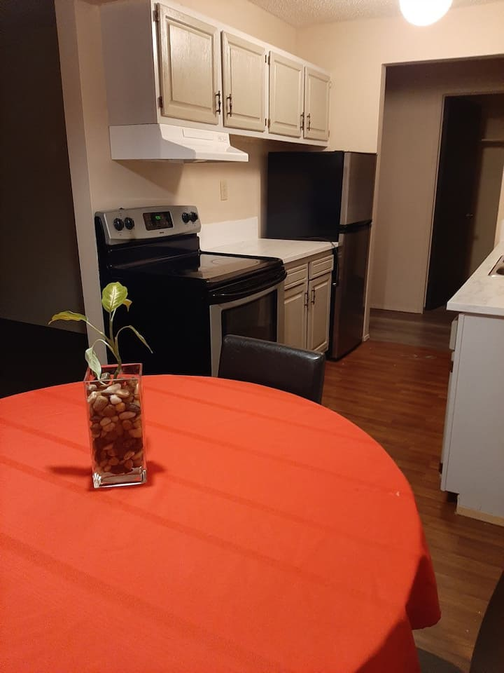 Medicine Hat - Quiet  1 bedroom