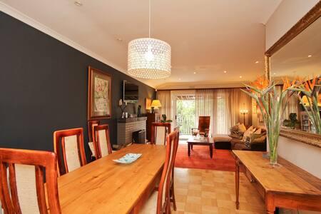 Stellenbosch - Family Home