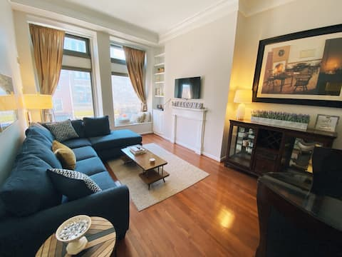 Cozy and Spacious Condo - Stay Local Downtown York