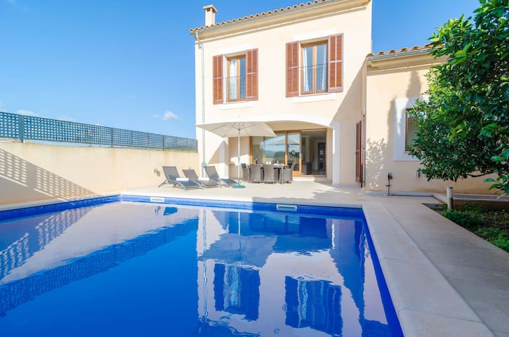 LLULL - Villa with private pool in Son Carrió.