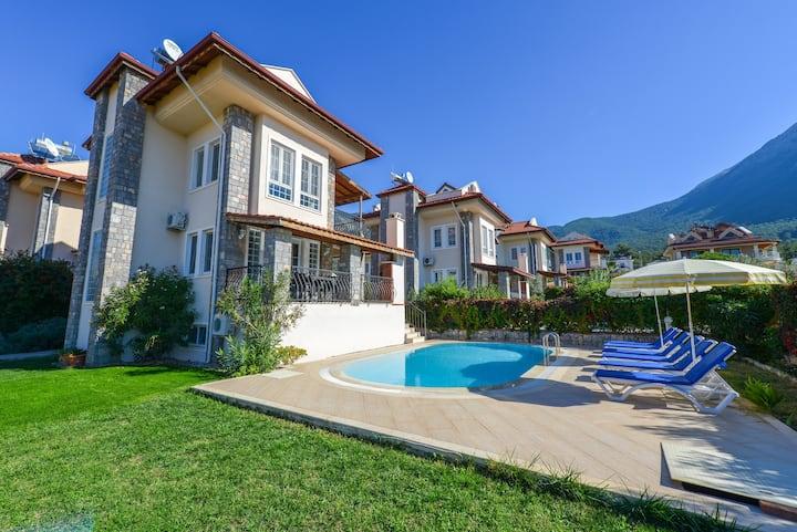Villa Mimoza- Ölüdeniz'de 4 Yatak Odalı Lüks Villa