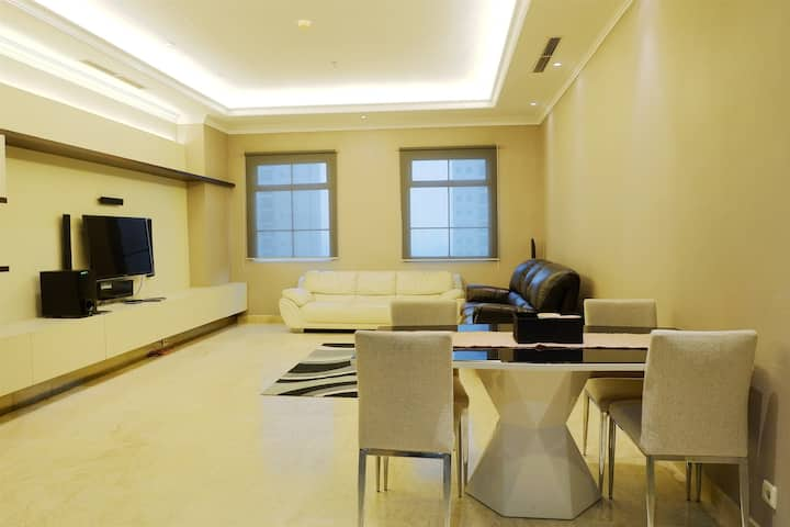 Luxury 2BR The Bellezza Apartment with City View