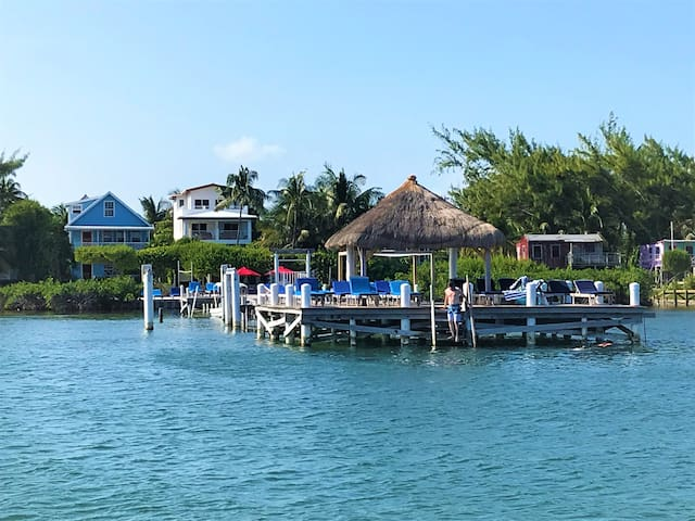 Beach Front 3 bedroom 2 bath home with private pool, dock, Beach & AC