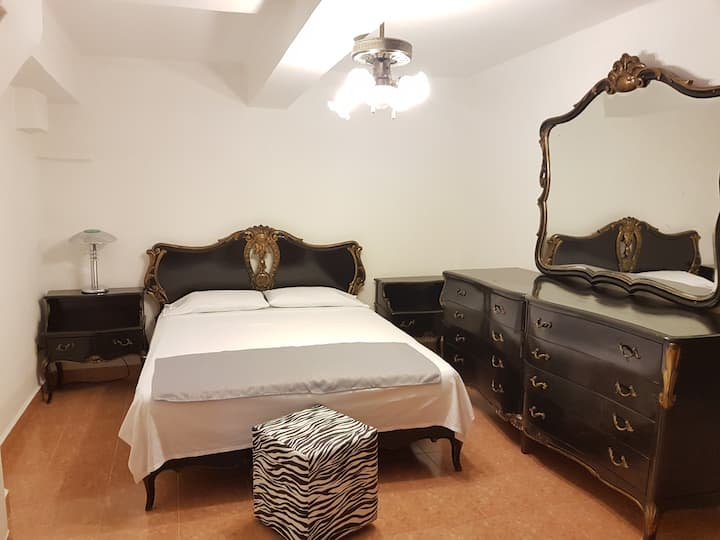 Private Black Room. Downtown Havana.  Casa Maty