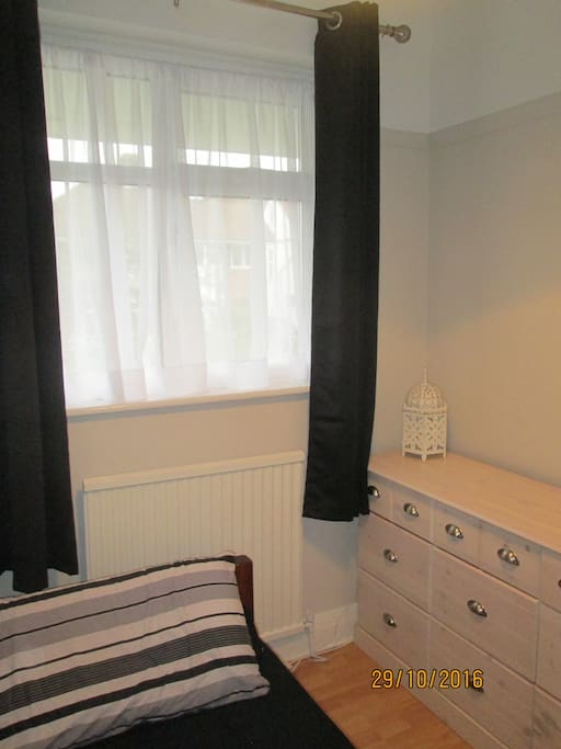 Cosy single newly refurbished bedroom