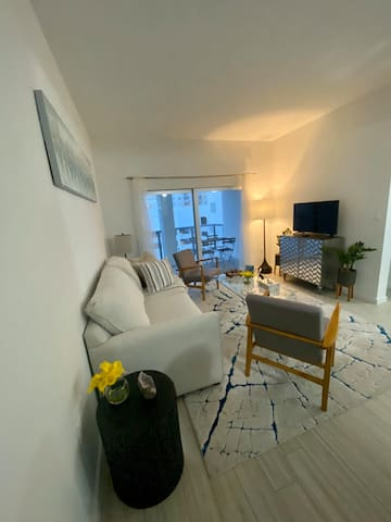 Brand New 2 Bed 2 Bath apartment with ocean view.