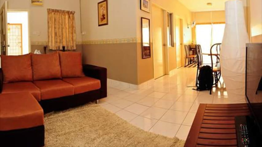 3-Bedroom apartment on a private Borneo beach - Papar - Departamento