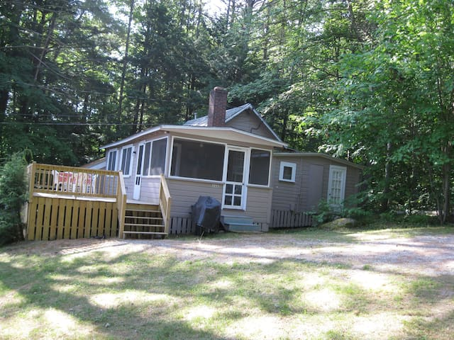 Cozy 3 BR Lake Cottage - Lake Winnipesaukee, NH