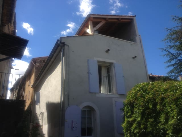 PRIVATE GUESTHOUSE - HOMESTAY - LUBERON