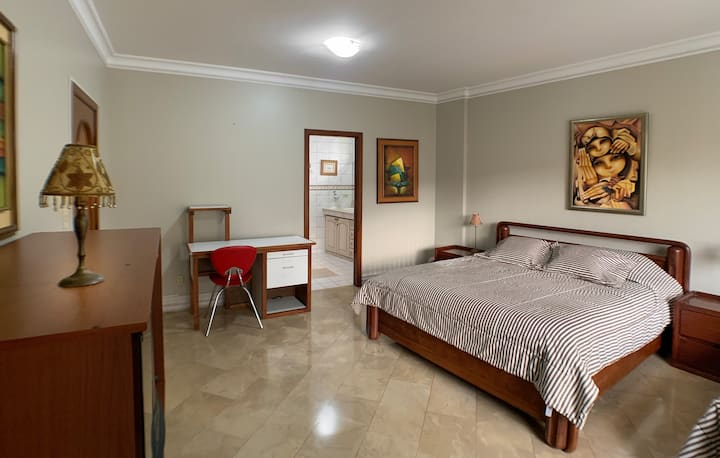 Cesar´s House Guayaquil Suite amoblada