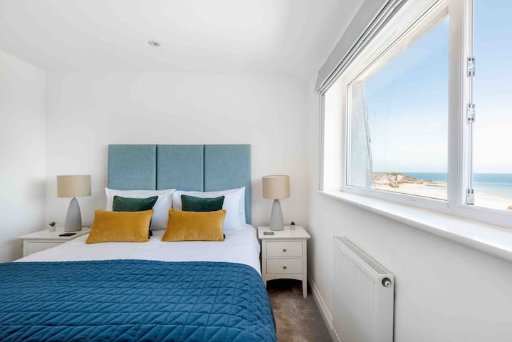 Sea Views | Parking | 300m to beach | Dog Friendly