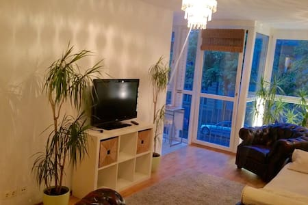 nice bright Apart. Prenzlauer Berg - Berlin - Apartment