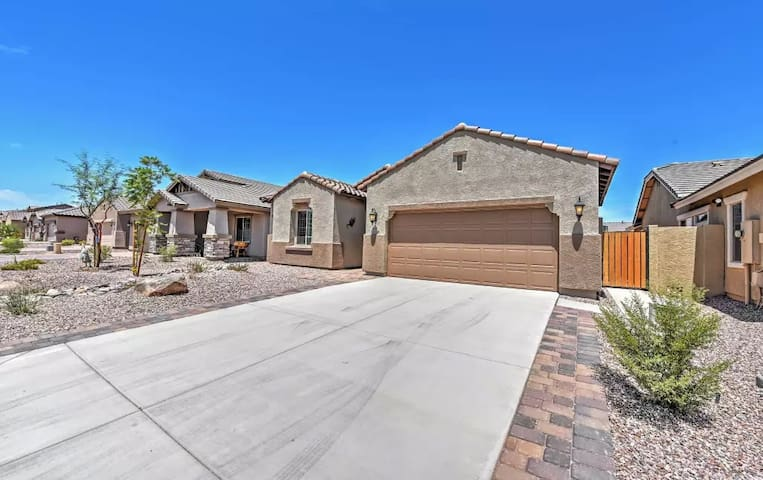 Modern 3BR San Tan Valley House w/Wifi! - San Tan Valley