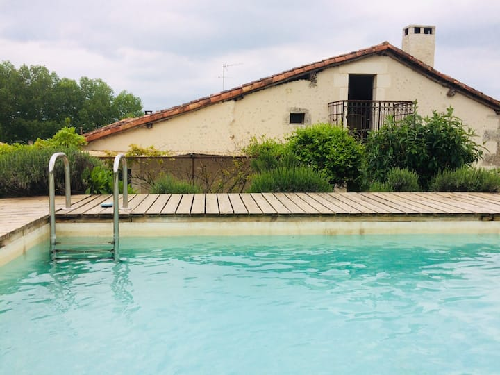 Maison de vacances proche Aubeterre sur Dronne