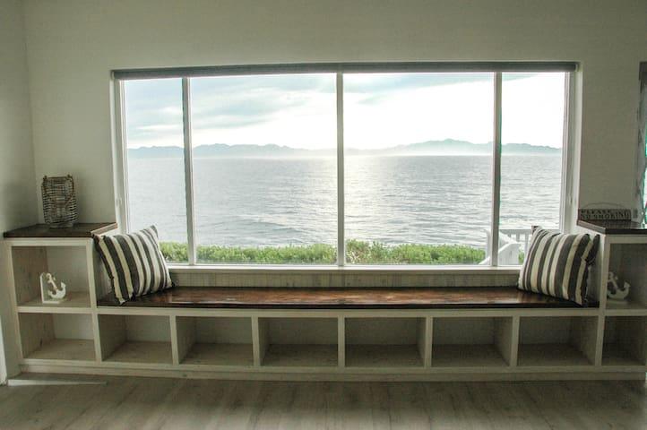 Simon's Town Beach Apartment 180 degree Sea View