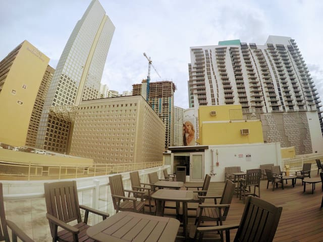 Downtown, Port of Miami,2b/2b sleeps up to 7guests