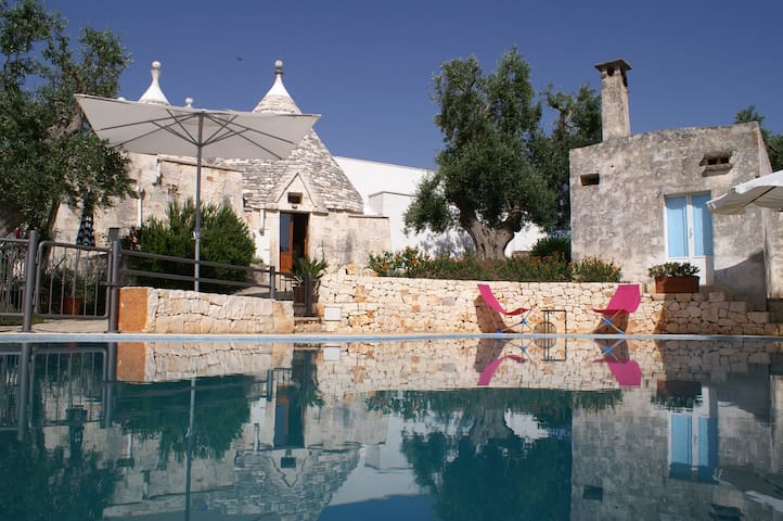 Beautiful Trullo with private infinity pool - Cisternino