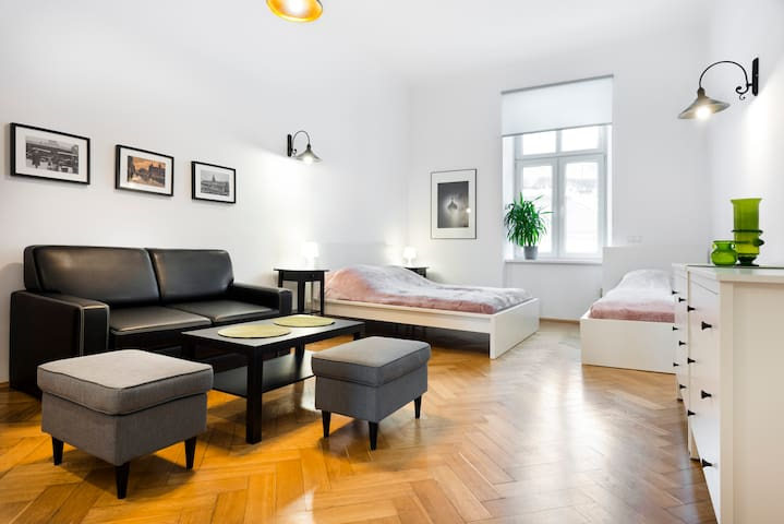 Apartament Bernardynska right by the castle!