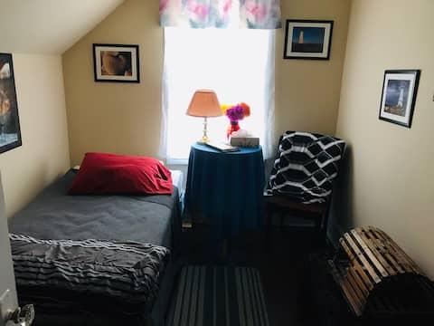 Brenda's Place in Sydney, single room