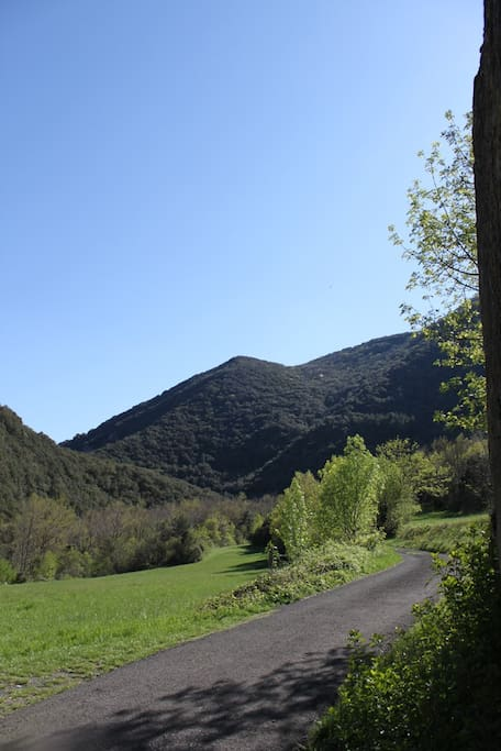 Road to the moulin