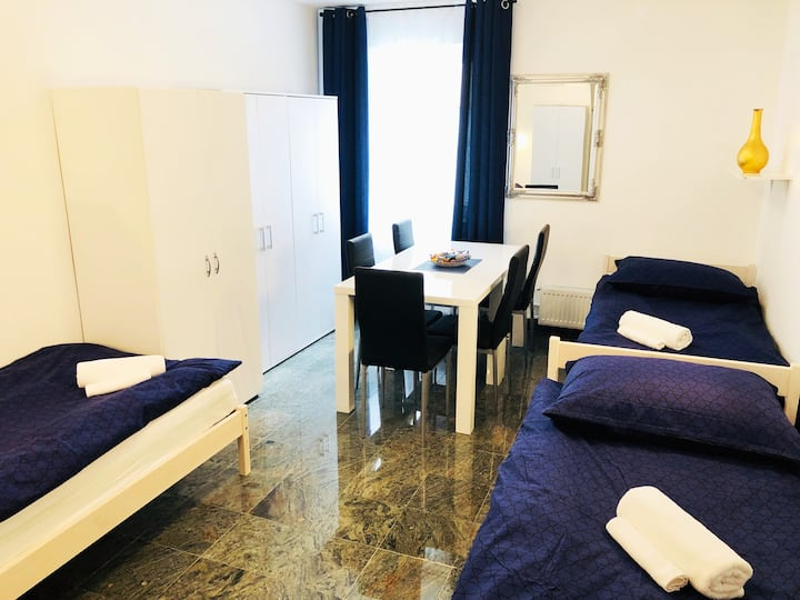 New triple room no.8 in a guest house+parking