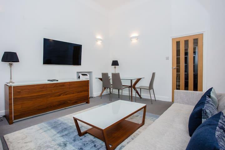 Cosy 2BD Apartment near Harrods, Knightsbridge