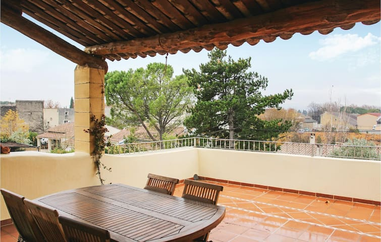 Terraced house with 5 bedrooms on 210 m²