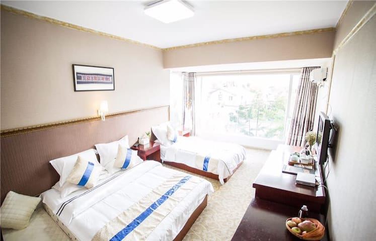 Villa; Rent 1room or whole! 精品别墅房 - Lijiang  - Villa