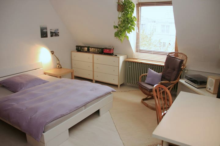 Unique room in Agnesviertel close to Ebertplatz