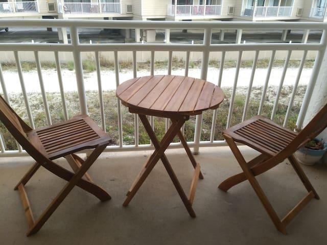Beachside STUDIO Condo with Side-Facing Balcony
