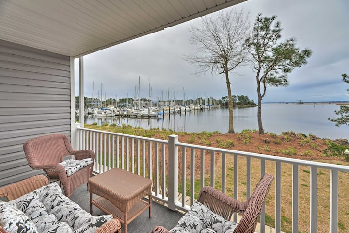 NEW! New Bern Waterfront Condo w/ Dock Access!