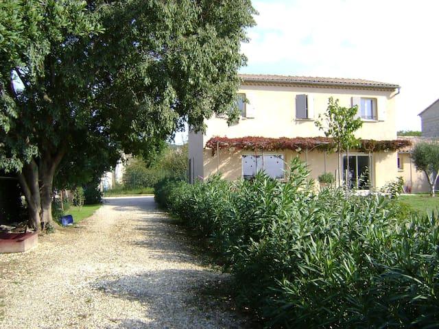 Villa + piscine proche Pont du Gard, Uzès,Avignon - Saint-Hilaire-d'Ozilhan - Hus