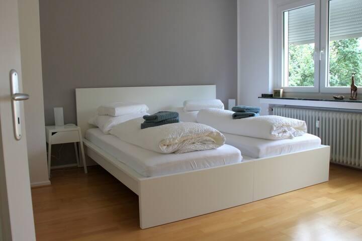 Doppelzimmer in ruhiger Wohngegend (Nähe Flughf.)