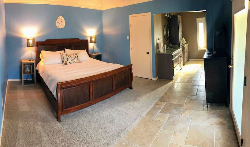 High Five Master Suite