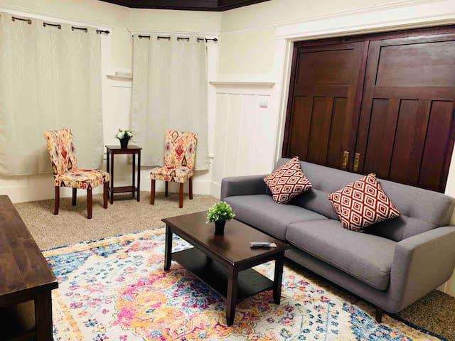 Charming Victorian three bedroom apartment