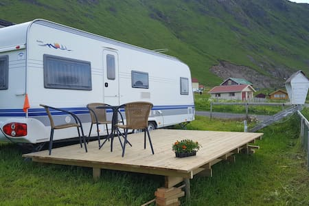 5 beds in caravan with an nice view - Fredvang  - Wohnung