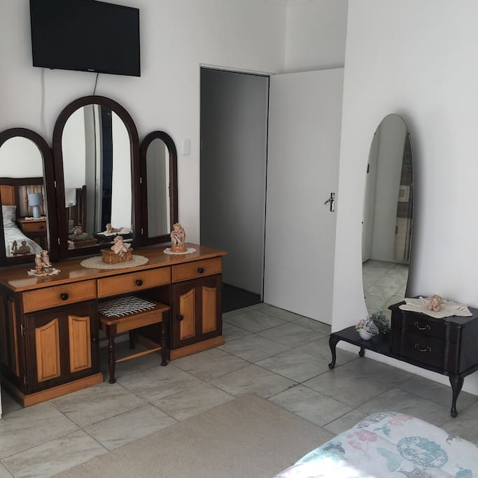 Lots of dressing room space and mirrors to create the perfect look for your holiday