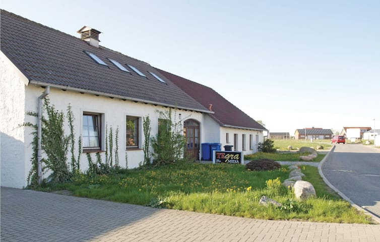 Holiday apartment with 2 bedrooms on 82 m² in Zierow