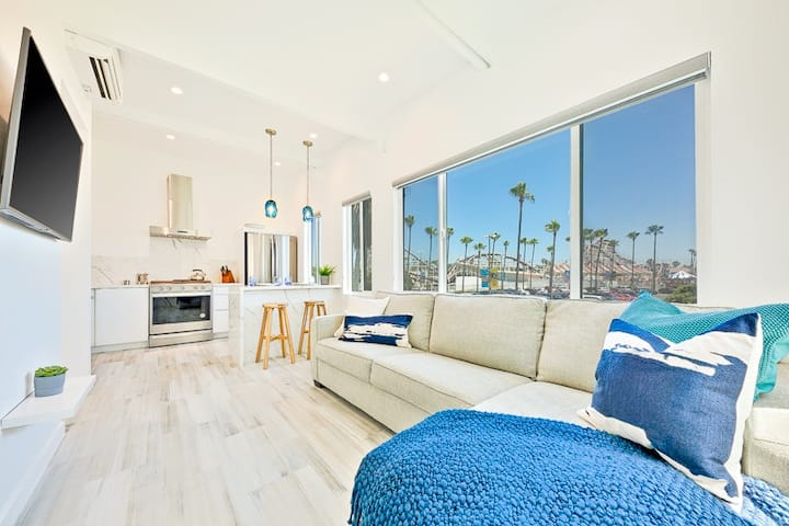 15% OFF MAR - Steps to Sand & More! Newly Remodeled with Ocean Views