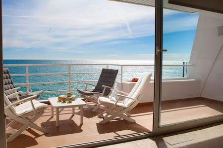 Sea front apartmnt n/ Barcelona. Stunning sea view - Sant Pol de Mar