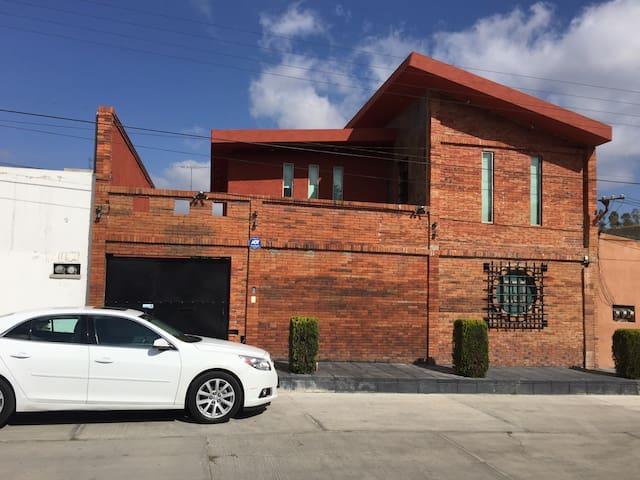 """Casa Leo"" !Studio, loft, Home - Pachuca de Soto"