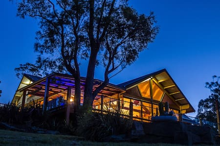Huon Valley Spa Retreat - Lower Longley