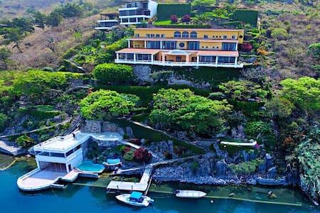 My Grand Lakeview Villa