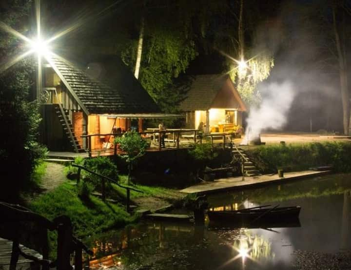 Guest House with Sauna and Hot Tub 'Pie Tēva Tuka'