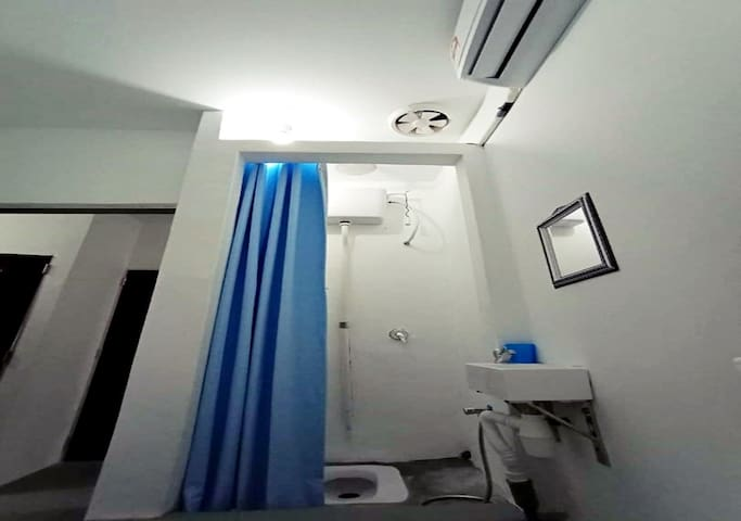 Budget 365 Hotel - Single Room