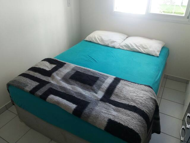 Comfortable room in a house - Blumenau - Haus