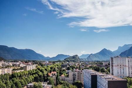 F3 confortable,  proche de Grenoble