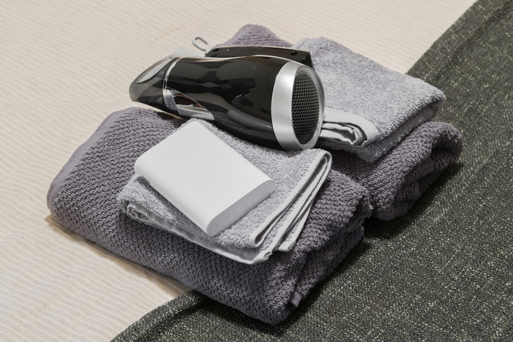 Pocket wifi and towels are provided all guests!!