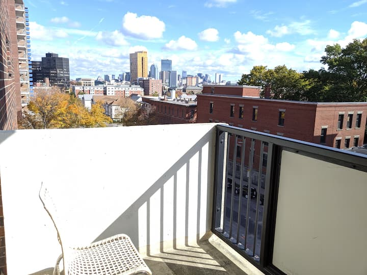 Sunny 2 Bed Apt By Boston Childrens Hosptial, BWH