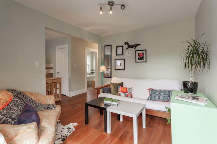 Stylish Private Apartment in Sunalta/Beltline